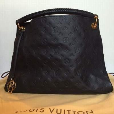 0aa72cd515ee Louis Vuitton Sac Bleu Marine